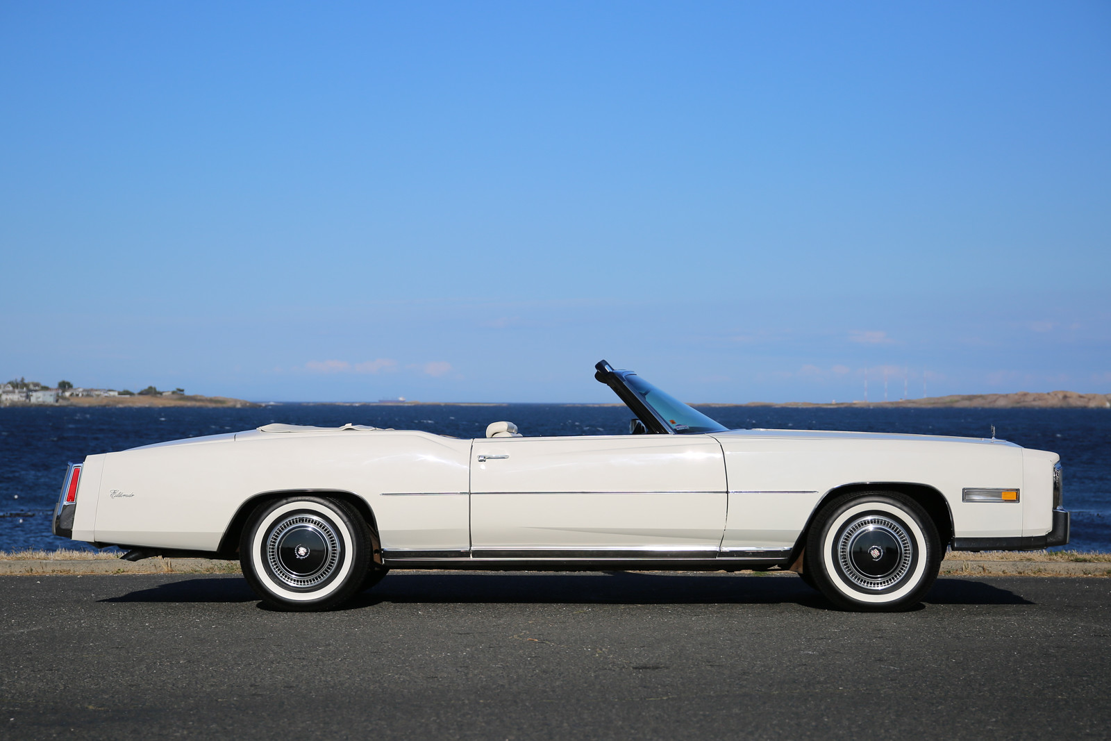 1976 Cadillac Fleetwood Eldorado Convertible Silver