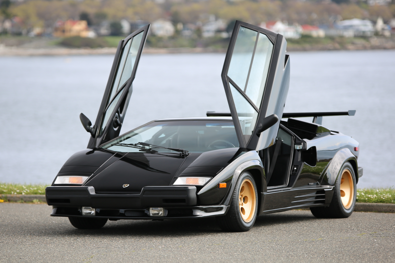 1988 Lamborghini Countach Lp5000s For Sale Silver Arrow