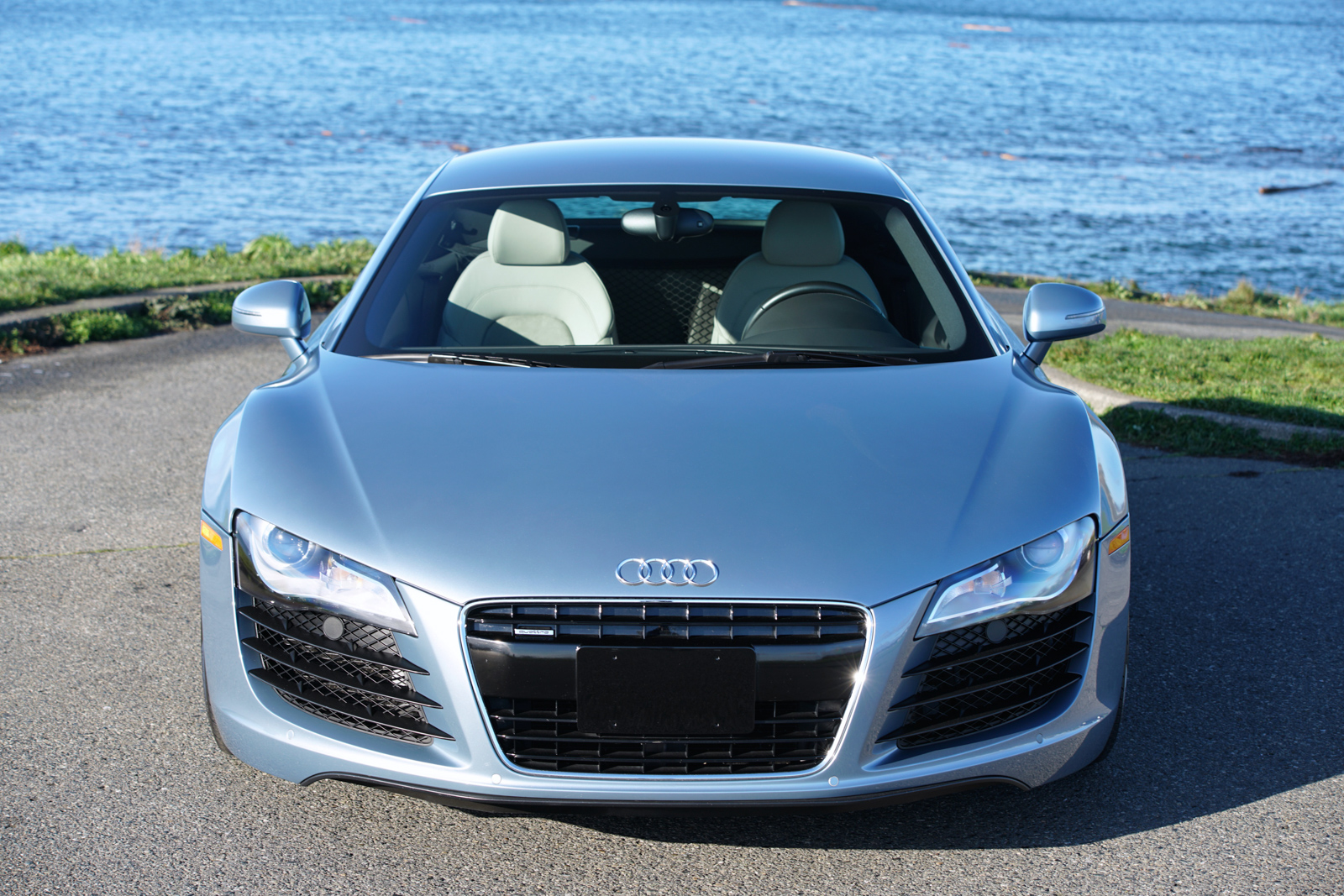 2008 audi r8 coupe 6 speed silver arrow cars ltd. Black Bedroom Furniture Sets. Home Design Ideas