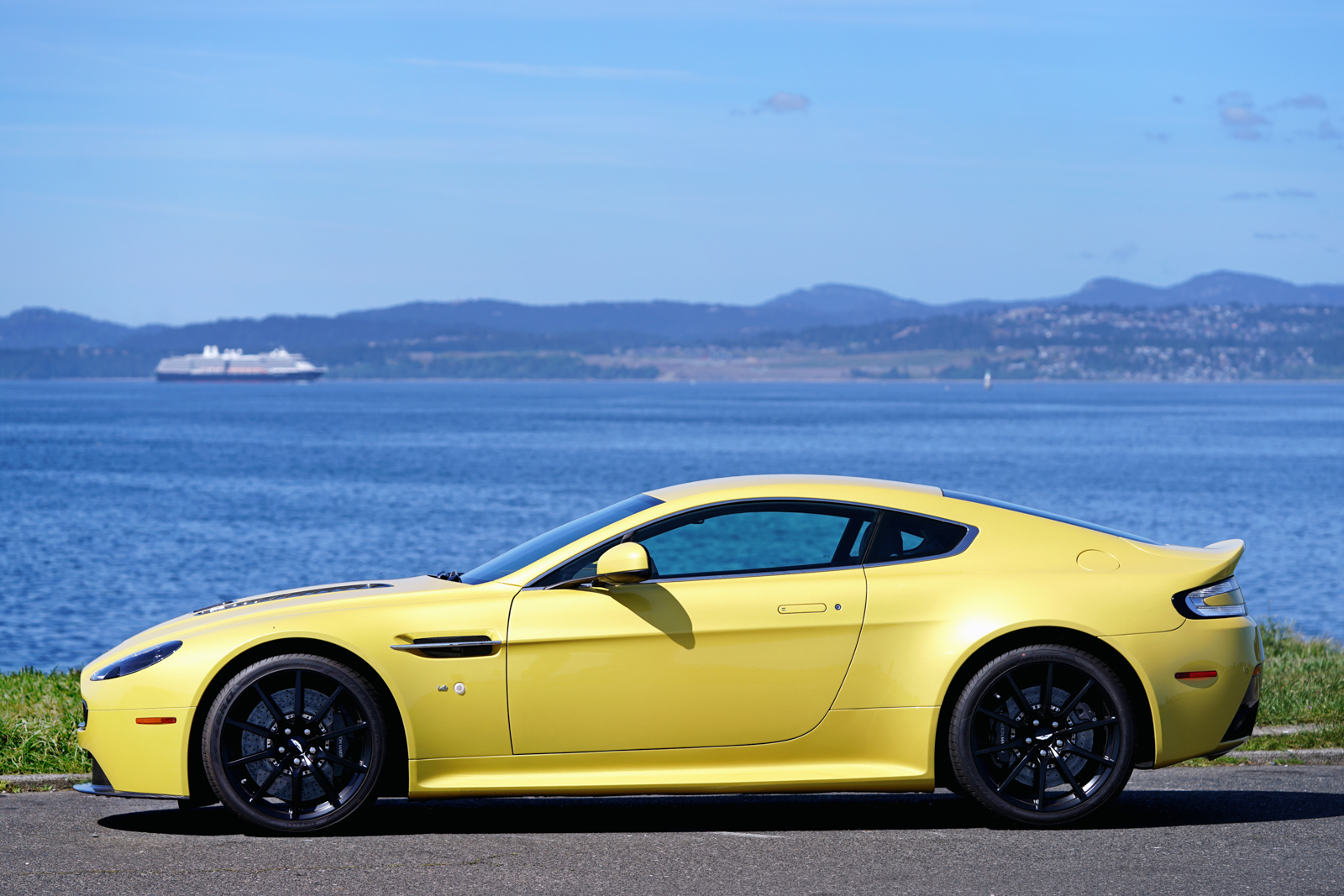 2015 aston martin v12 vantage s coupe for sale silver arrow cars ltd. Black Bedroom Furniture Sets. Home Design Ideas