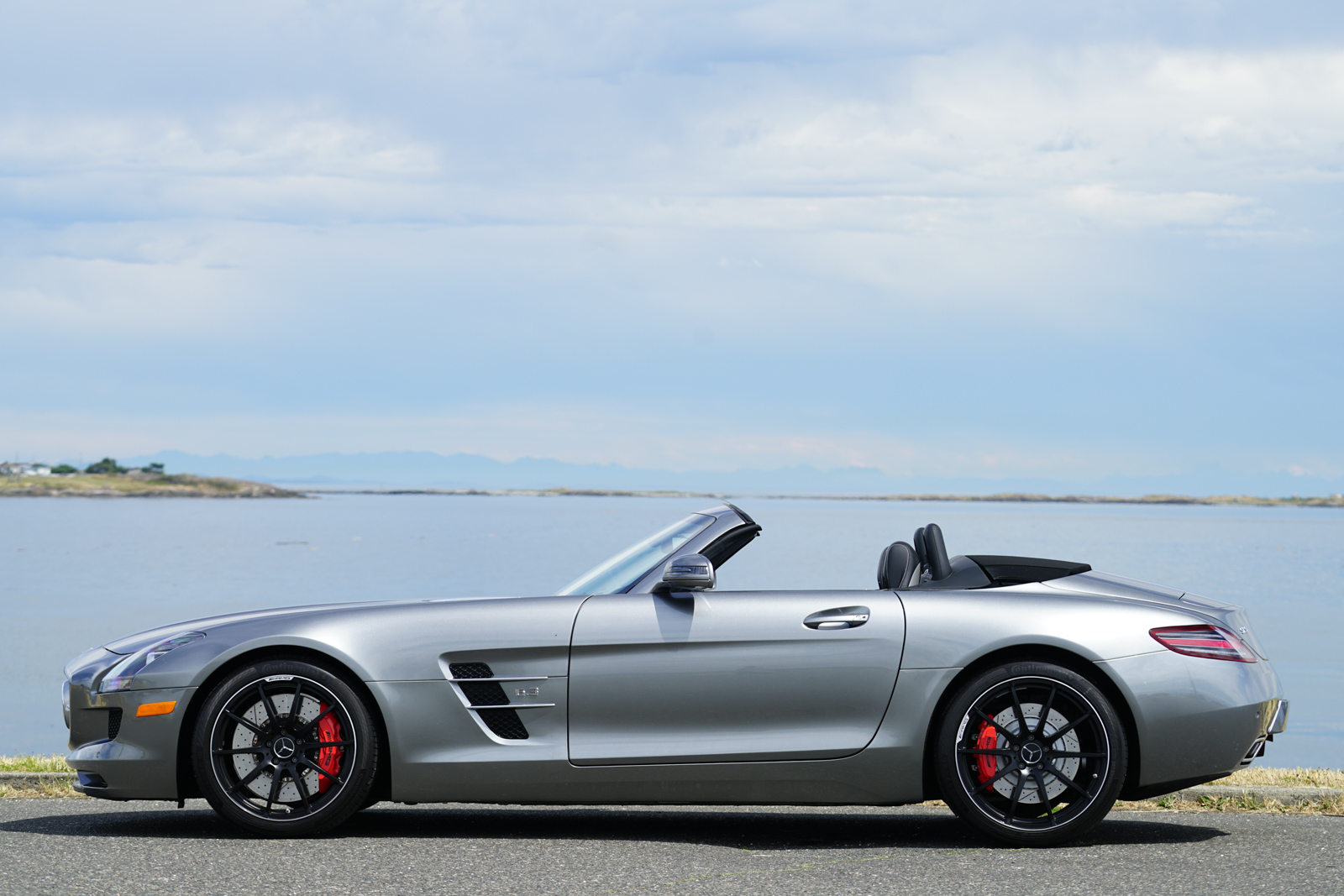 2012 mercedes benz sls amg roadster silver arrow cars ltd for Mercedes benz sls amg convertible for sale