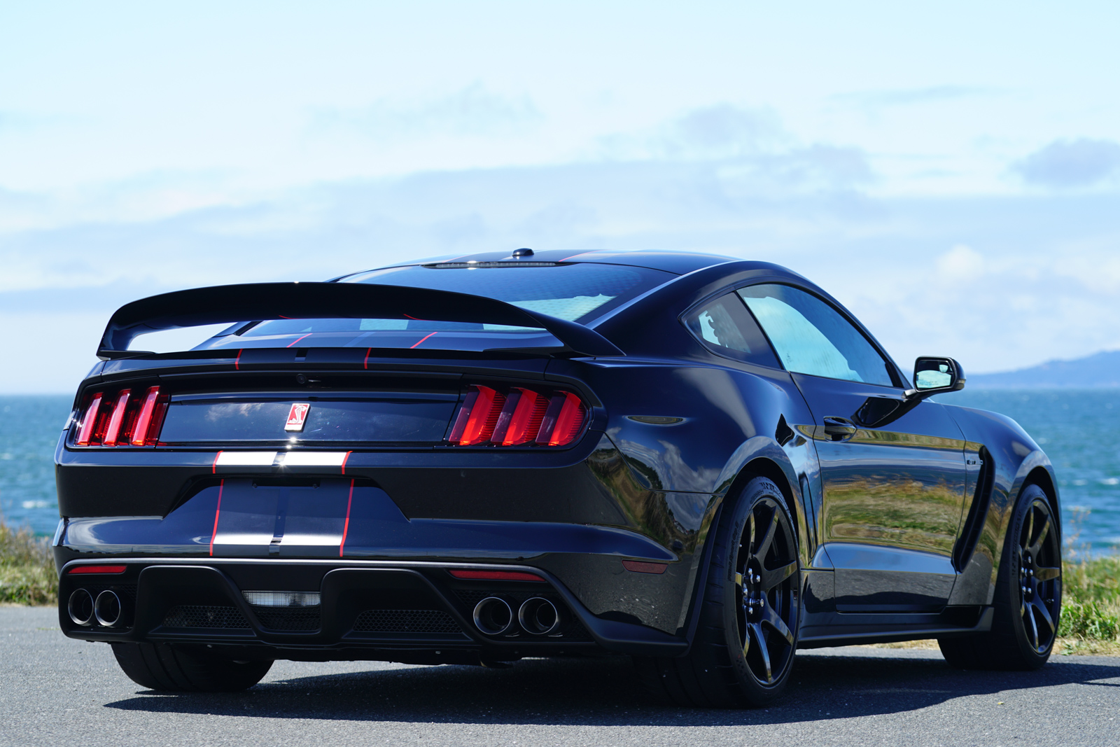 2016 ford shelby gt350r mustang for sale silver arrow cars ltd. Black Bedroom Furniture Sets. Home Design Ideas