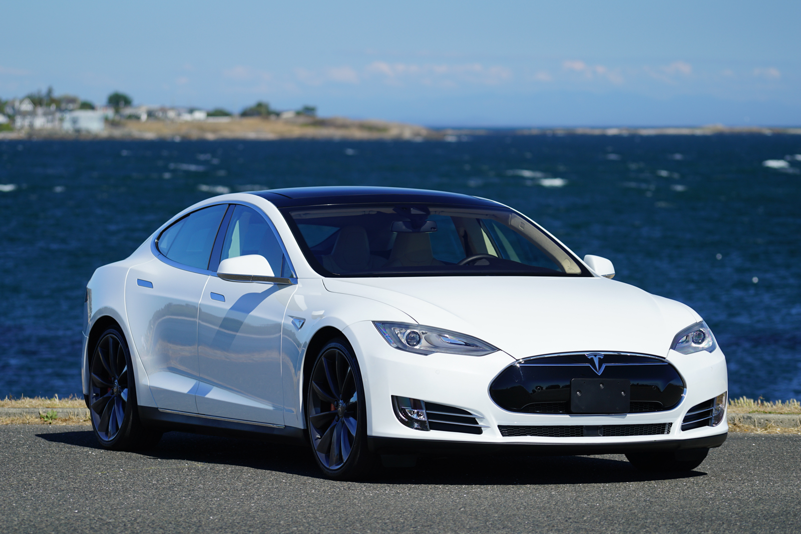 2015 tesla model s p85d ludicrous for sale silver arrow cars ltd. Black Bedroom Furniture Sets. Home Design Ideas
