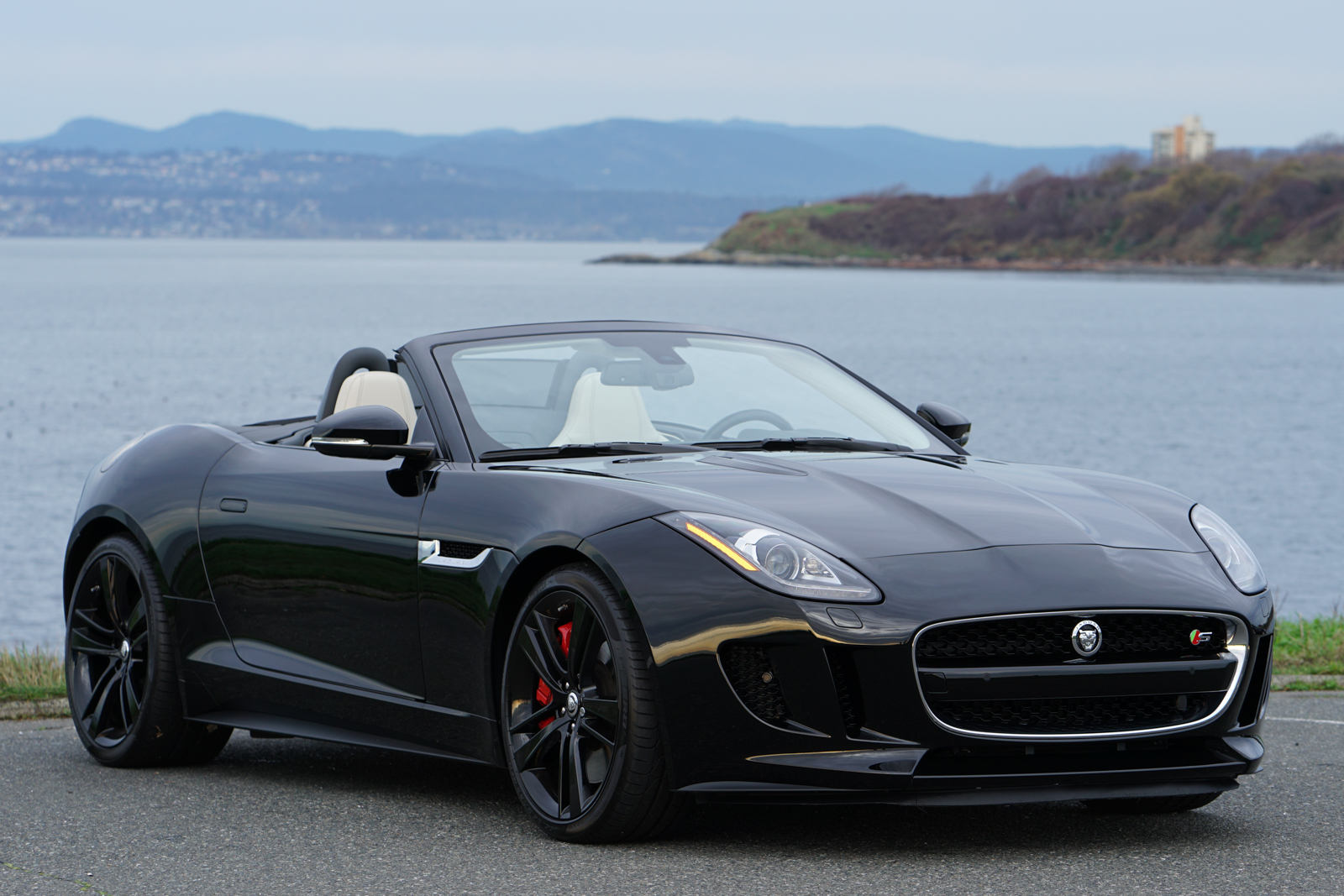 2014 jaguar f type v8 s convertible silver arrow cars ltd. Black Bedroom Furniture Sets. Home Design Ideas