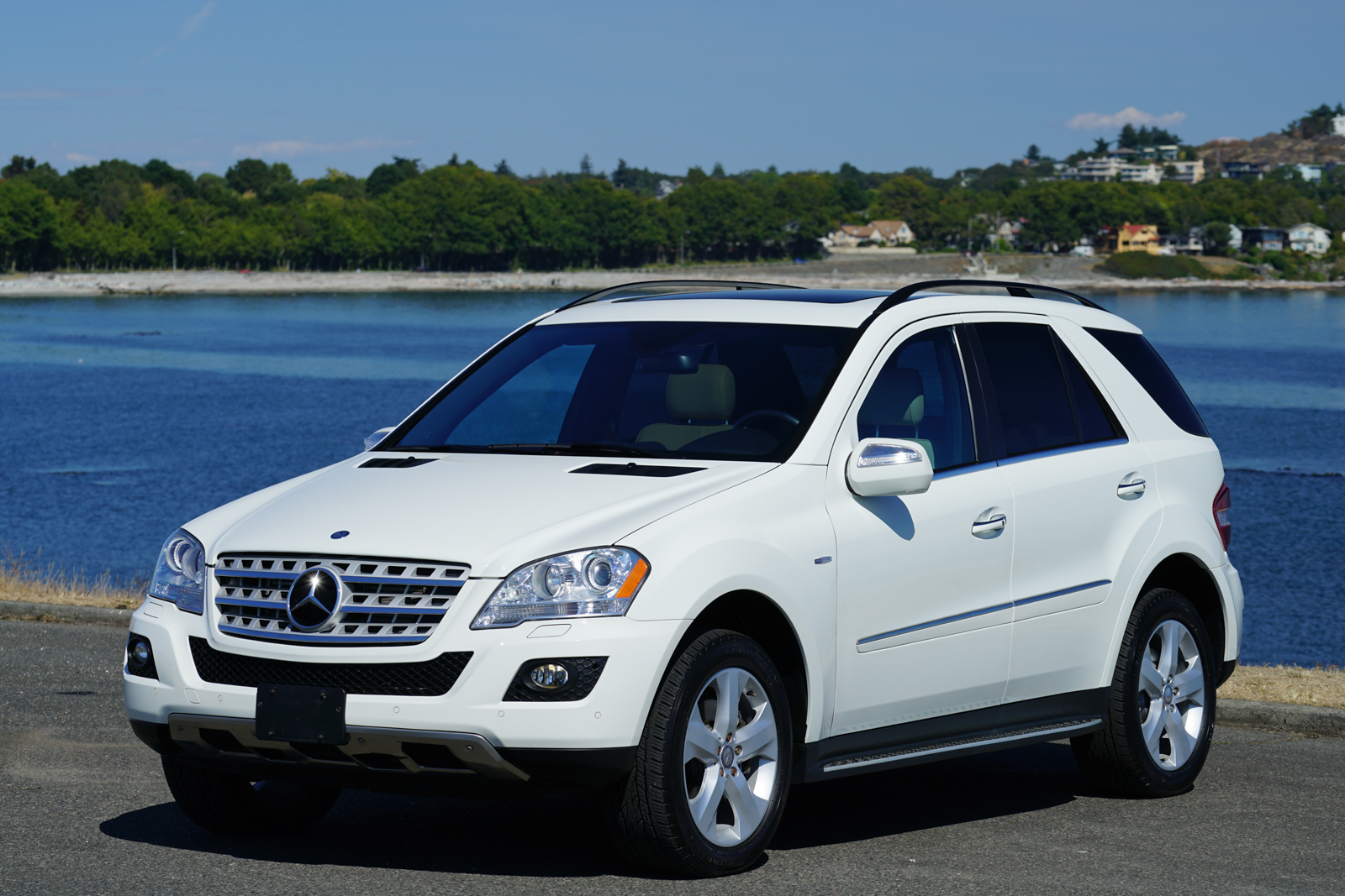 Silver arrow cars ltd premium auto dealership broker for Mercedes benz ml350 4matic 2010