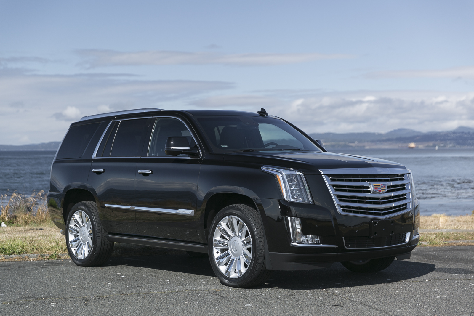 2016 cadillac escalade platinum silver arrow cars ltd. Black Bedroom Furniture Sets. Home Design Ideas