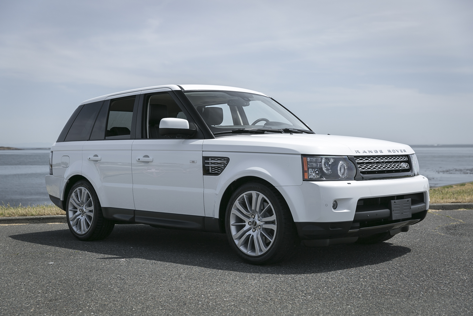 2012 range rover sport hse silver arrow cars ltd. Black Bedroom Furniture Sets. Home Design Ideas