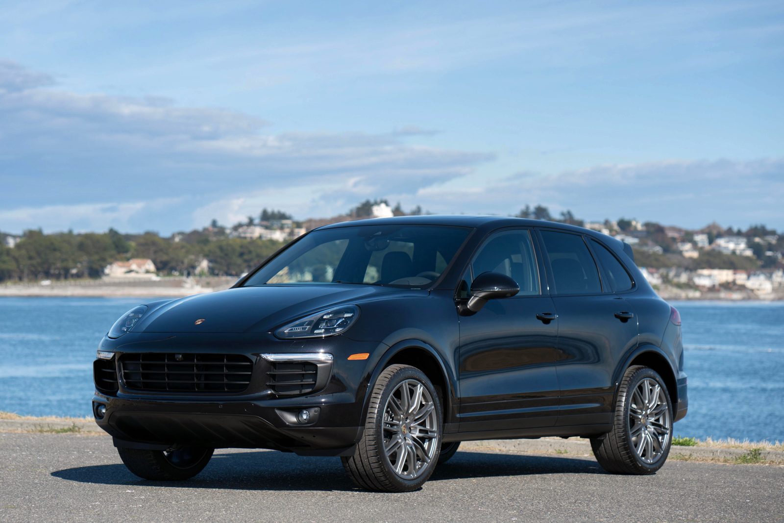 2017 Porsche Cayenne Platinum Edition For