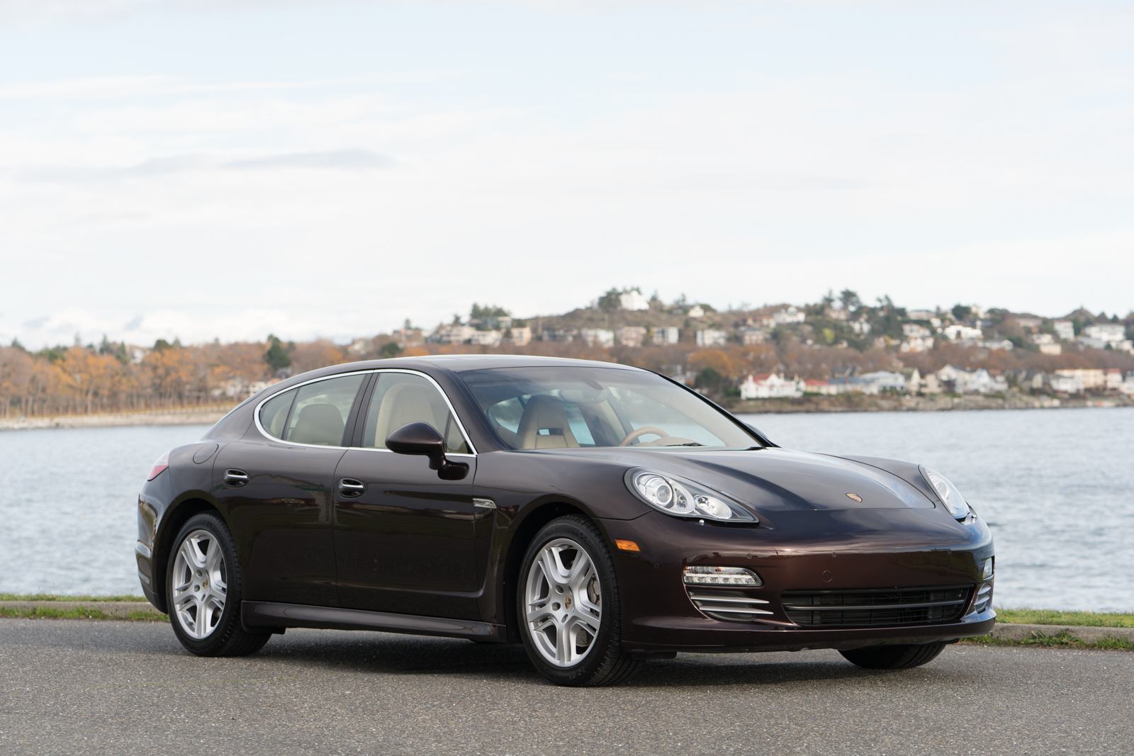 2010 porsche panamera 4s silver arrow cars ltd. Black Bedroom Furniture Sets. Home Design Ideas