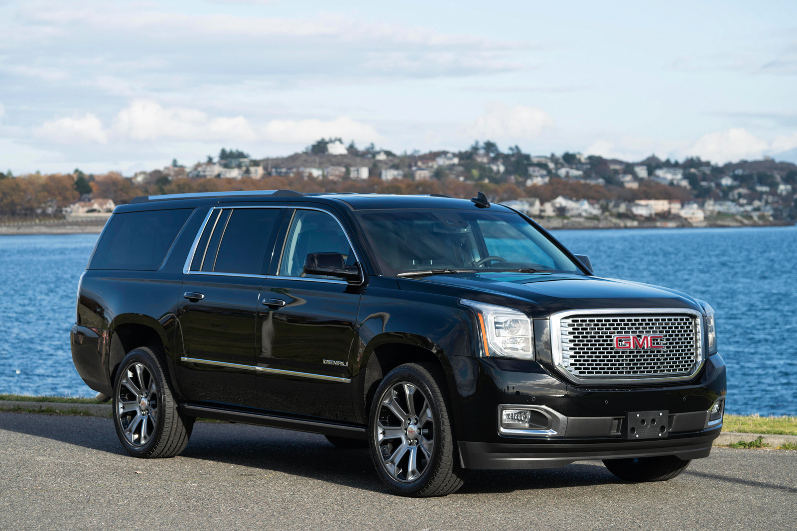 2017 gmc yukon denali xl in victoria bc. Black Bedroom Furniture Sets. Home Design Ideas
