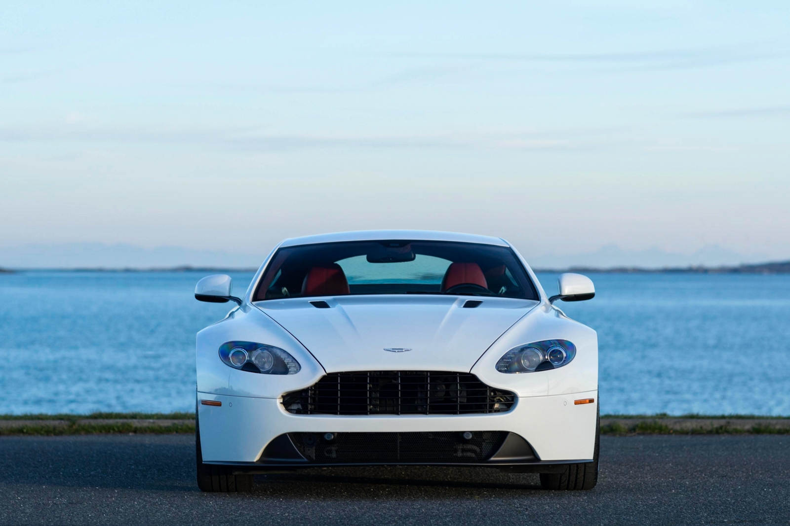2013 Aston Martin V8 Vantage Sportshift Silver Arrow Cars Ltd