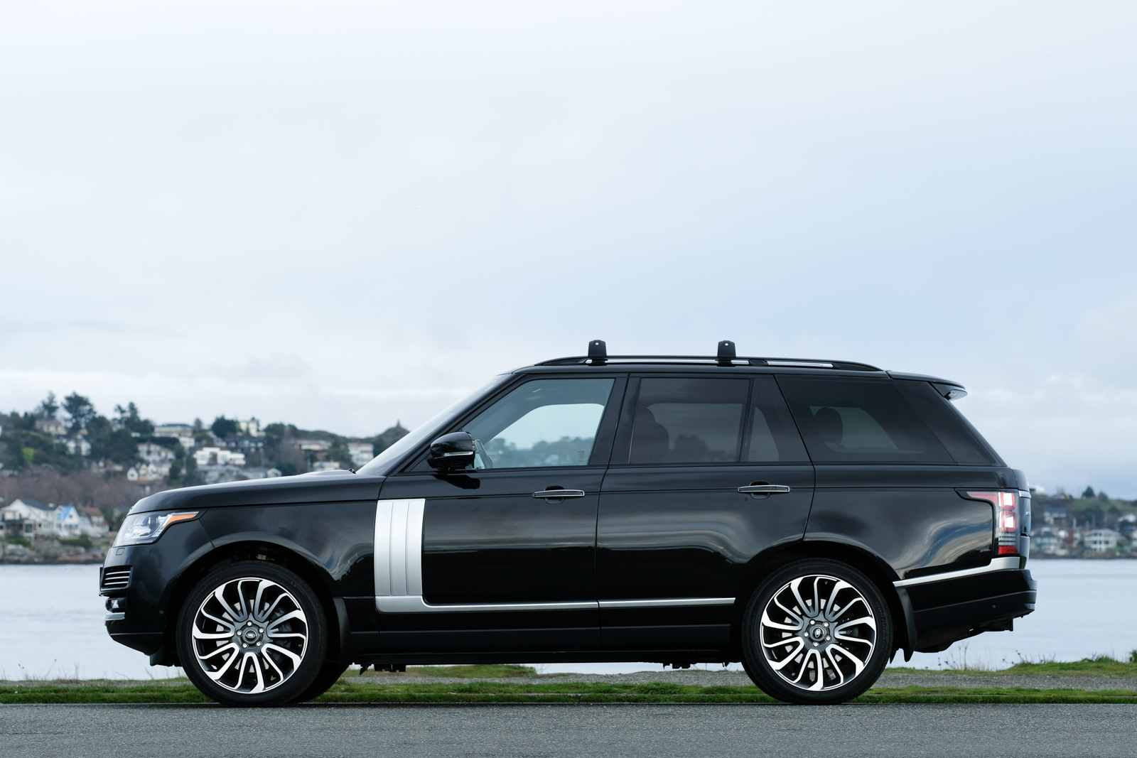2014 Range Rover Autobiography SC - Silver Arrow Cars Ltd.
