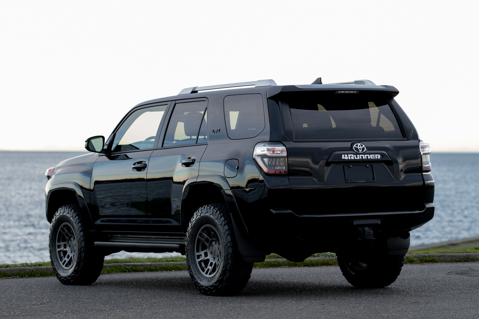 2018 toyota 4runner trd custom 7 passenger. Black Bedroom Furniture Sets. Home Design Ideas