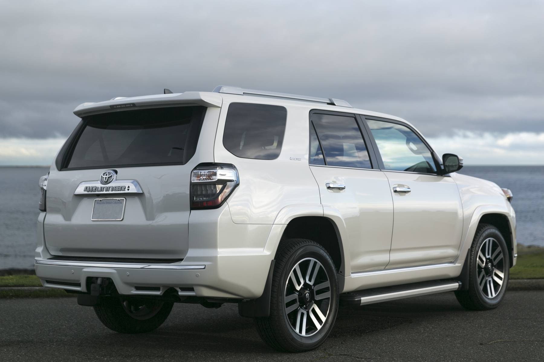 Silver Arrow Cars Toyota 4Runner Limted 7 Seater 4 1 Silver
