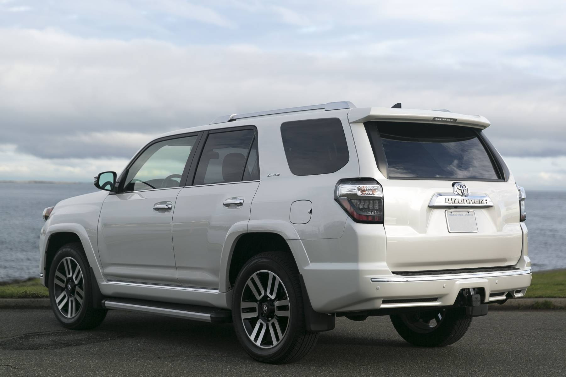 Silver Arrow Cars Toyota 4Runner Limted 7 Seater 5 2 Silver