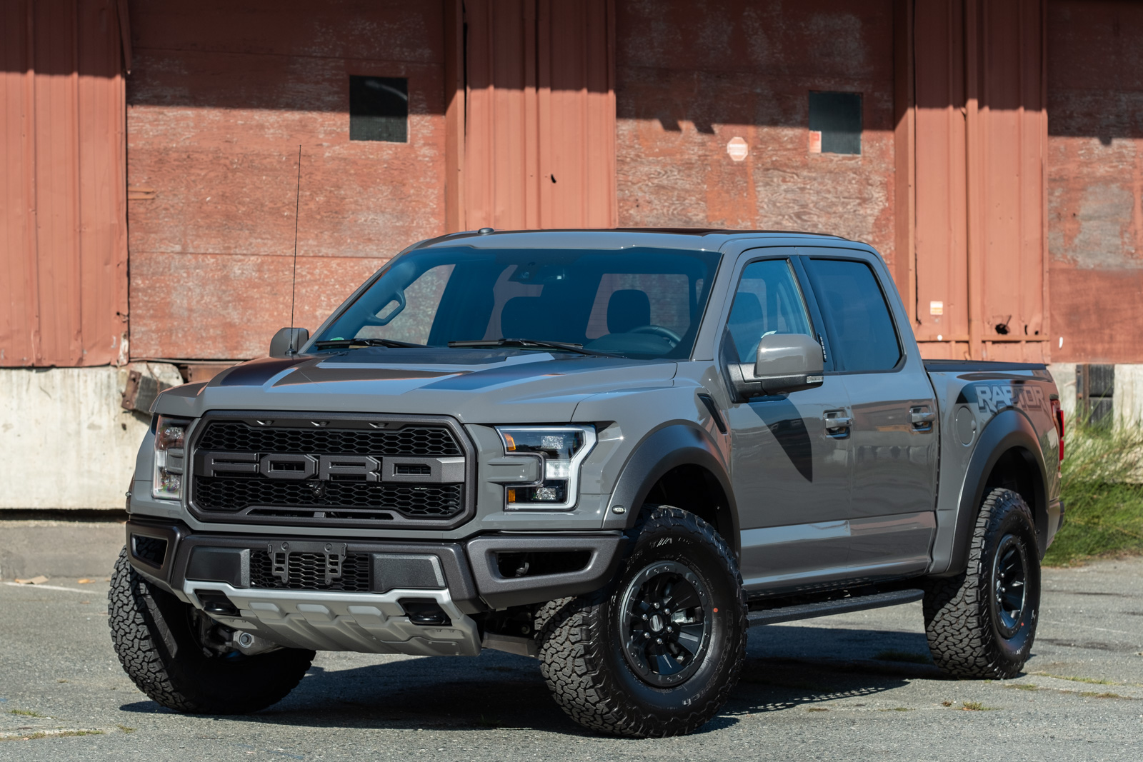 2018 ford f150 raptor svt silver arrow cars ltd. Black Bedroom Furniture Sets. Home Design Ideas