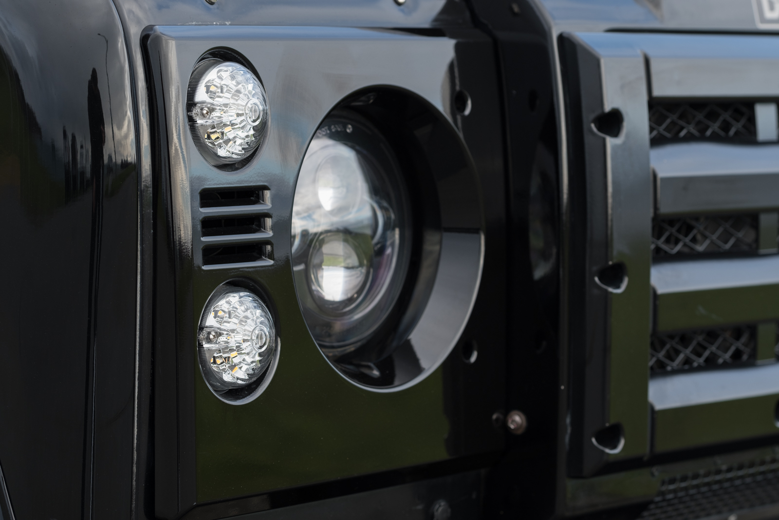2001 Land Rover Defender 90 Td5 At Silver Arow Lights For Sale