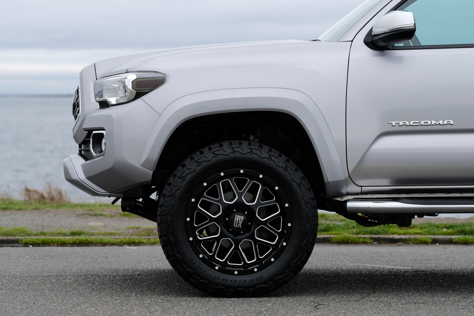 Lifted Toyota Tacoma >> 2017 Toyota Tacoma Limited Lifted - Silver Arrow Cars Ltd.