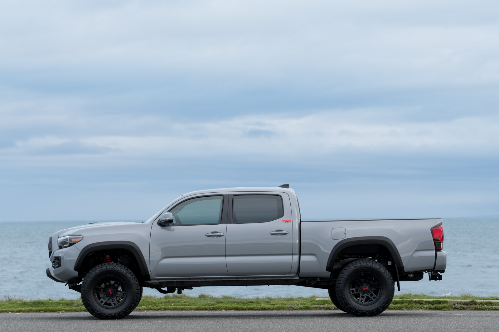 Toyota Tacoma Off Road >> 2018 Toyota Tacoma TRD Lifted Custom in Cement Grey